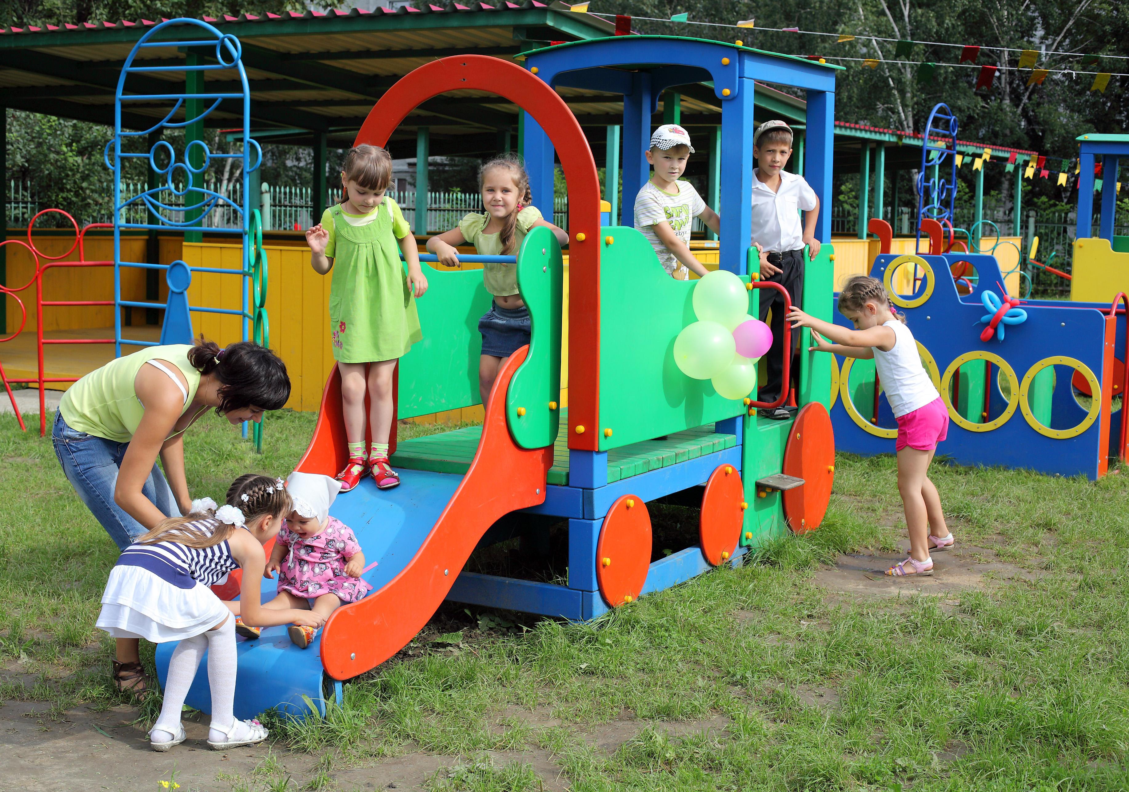 Игрушка на площадку в детский сад